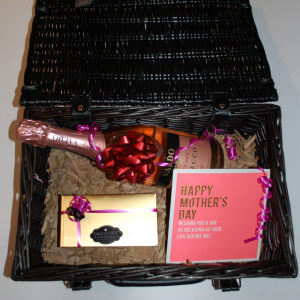 Hamper with Prosecco and Chocolate